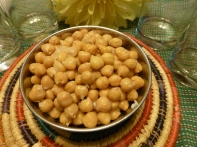 Boil kabuli chana (garbanzo beans). Sprinkle salt to taste and serve. Good with a dash of lemon juice too!