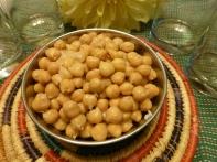 Boil kabuli chana (garbanzo beans). Sprinkle salt to taste and serve. Good with a dash of lemon juice too!