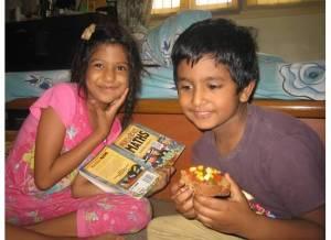 Cousins eat vegan pizza