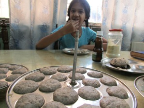 And the little little millet idlis are ready!