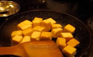 Stir-fry cubed tofu