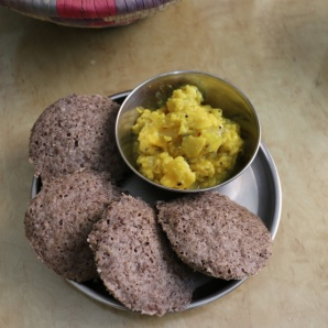 10-grain idlis with dosakayi